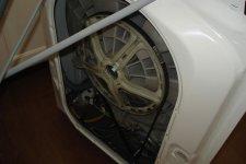 Съем задней крышки в стиральной машине Электролюкс
