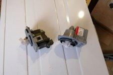 Старый и новый сливные насосы для стиралки Аристон